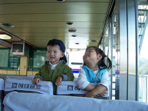 游船上碰到的韩国小朋友